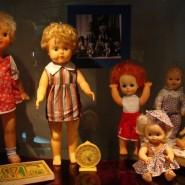Выставка кукол  «Лена из полиэтилена» фотографии