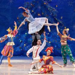 Новогодние премьеры в театрах Нижнего Новгорода 2021