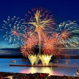 Фестиваль фейерверков в Нижнем Новгороде летом 2021 г.