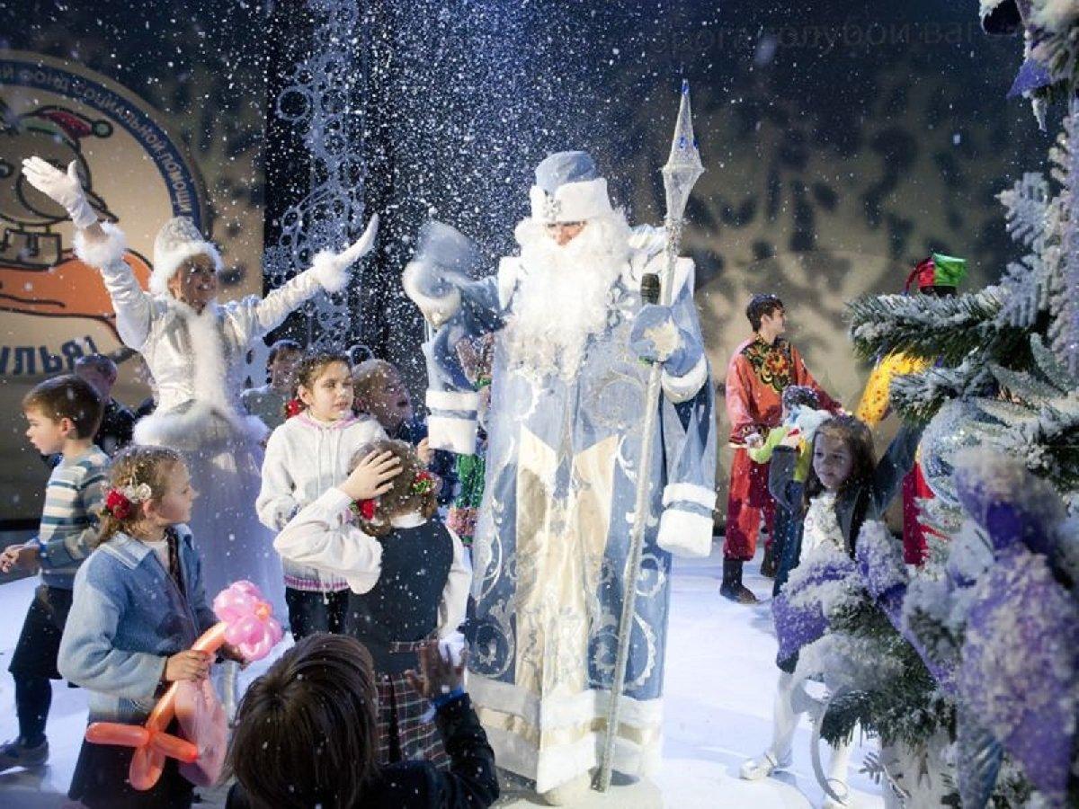 Новогоднее сказочное шоу «Кто родился вновый год» 2019