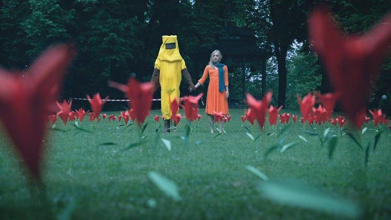 Фантастическая любовь мальчика-пчелы и девушки-цветка