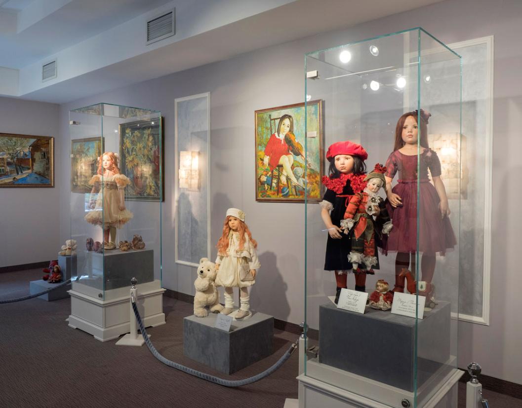 Открытие галереи кукол «Хрупкие мечты»