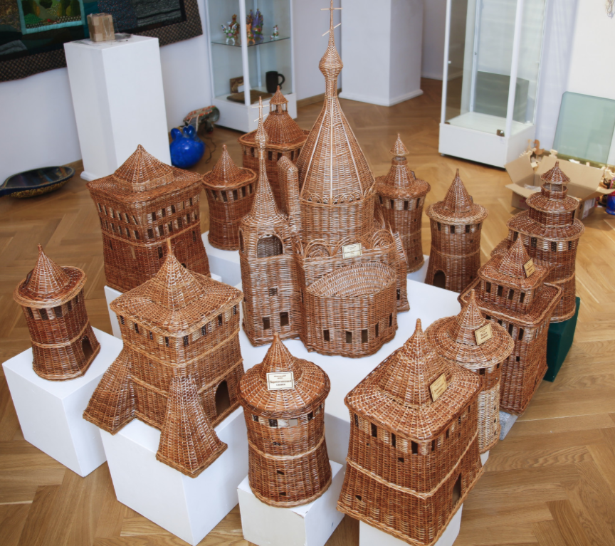 Выставка «800 лет городу Нижнему Новгороду»